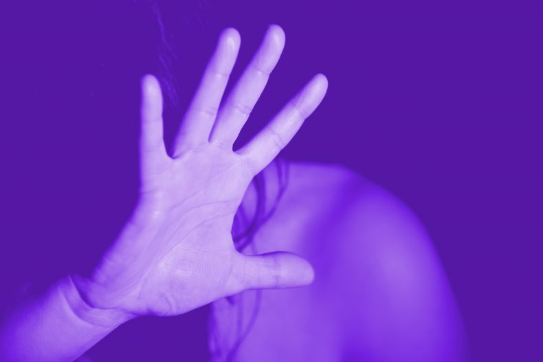 Seção Mulheres na Ciência_hand-1832921_LILAS EVISU